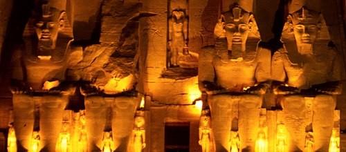 Abu Simbel – Coloca ou não coloca a cabeça de volta?