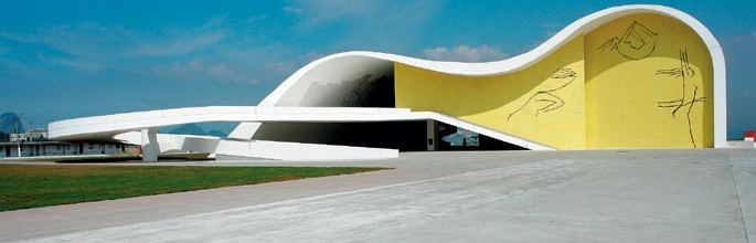 Oscar Niemeyer – O mestre das curvas